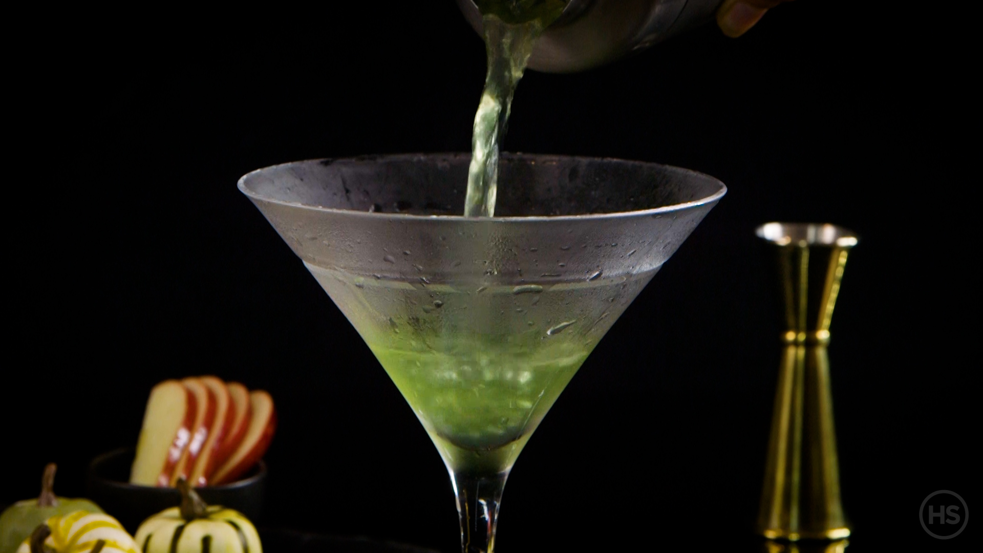 How to make a poison apple cocktail