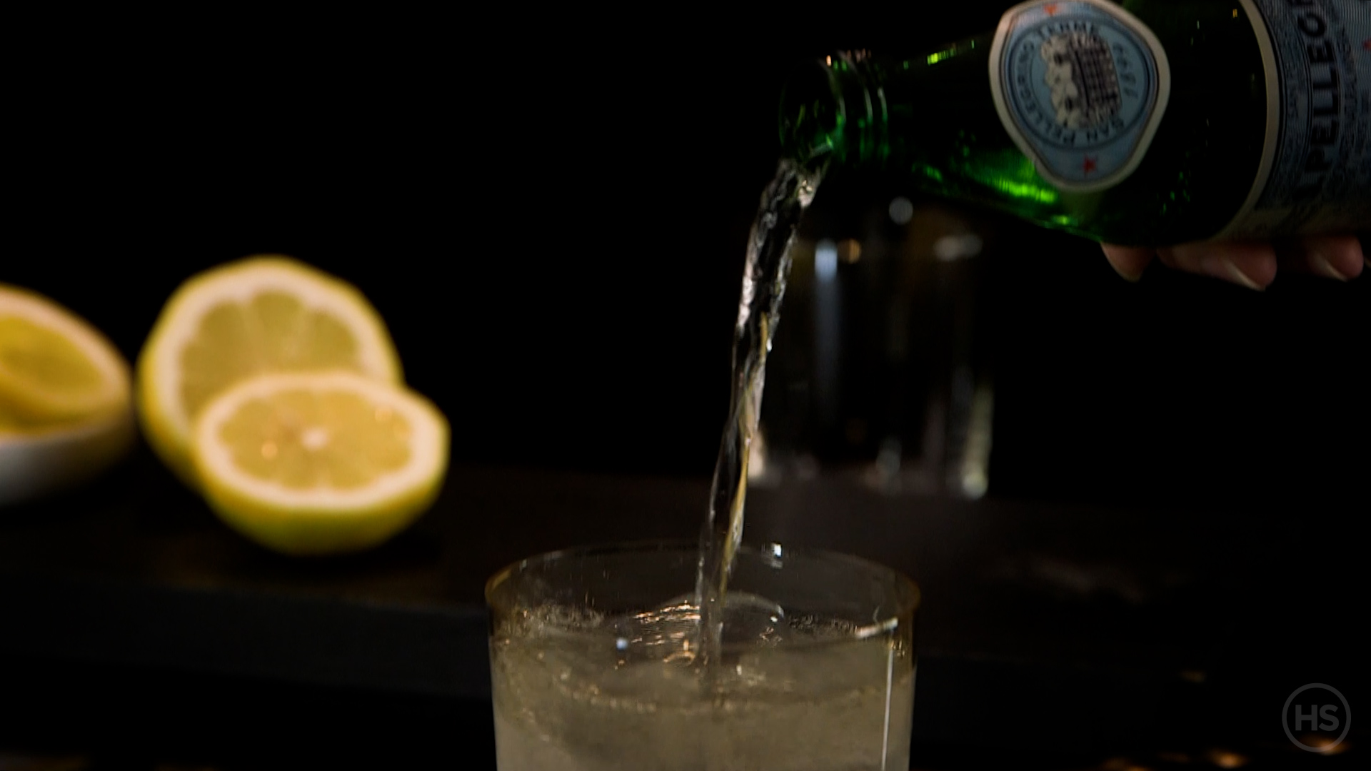 How-to-muddle-a-vodka-soda