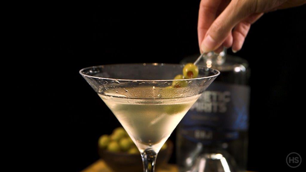 How-to-serve-a-vodka-soda